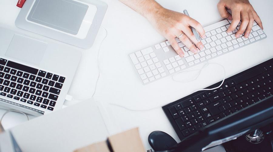 网站建设或网站改版时,模板建站与定制开发大型企业该如何选择?